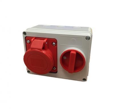 PRESA SE14 PARETE 16A 3 P+T 6 H IP44 400V